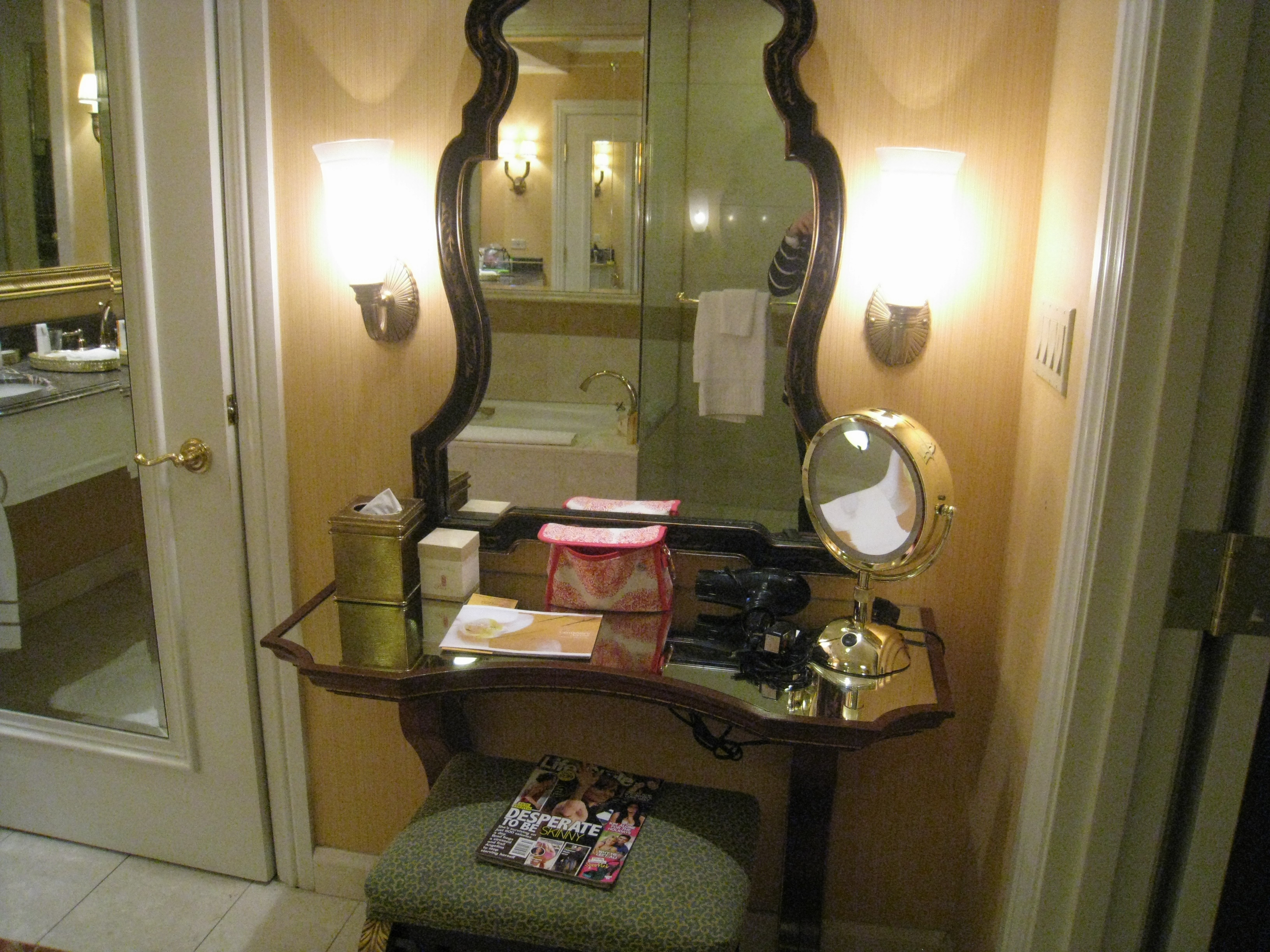 Vanity Lights Of Vegas : Hotel Crashing: The Venetian, Las Vegas - Poe Communications